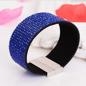 Jewelry - Sale 🎉 Pretty rhinestone magnetic cuff